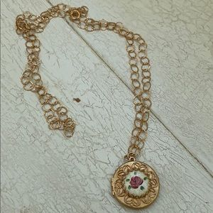 Jewelry - Vintage Hand Painted Locket Pendant Necklace